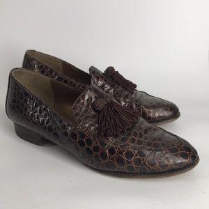 Vintage Stuart Weitzman crocodile embossed loafers